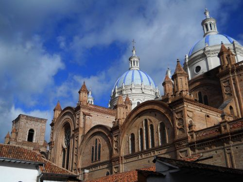 51 BEST NATIONAL PARKS OF ECUADOR [AND NATURE RESERVES]:  THINGS TO DO IN ECUADOR: Concepci�n Inmaculada Church, Old Town Cuenca.
